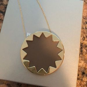 House of Harlow gold and tan starburst necklace